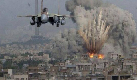 敵地を爆撃する戦闘爆撃機