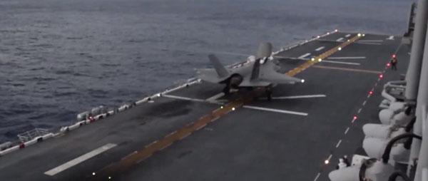 強襲揚陸艦ワスプから発艦するF-35B