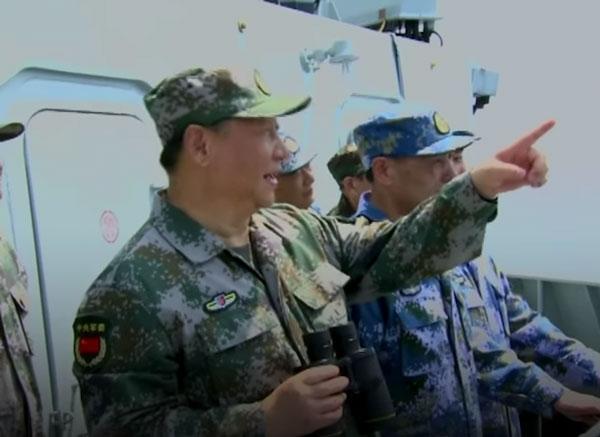 海上閲兵式における習近平