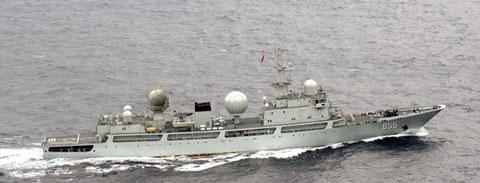 中国海軍ドンディア級情報収集艦